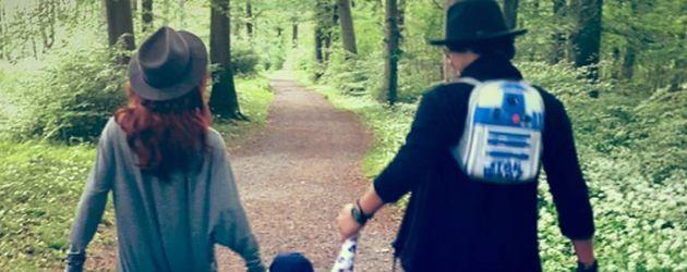 Oana Nechiti und Erich Klann mit ihrem Sohn