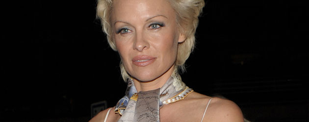 Pamela Anderson Sexy Bikini - YouTube