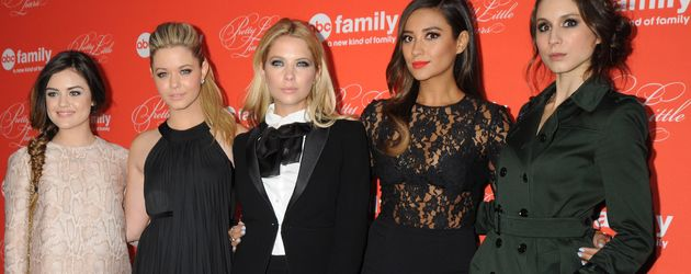 Shay Mitchell, Ashley Benson, Troian Bellisario, Lucy Liu und Sasha Pieterse