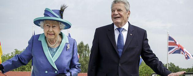 Queen Elizabeth II. und Joachim Gauck