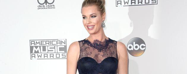Rebecca Romijn bei den 2016 American Music Awards