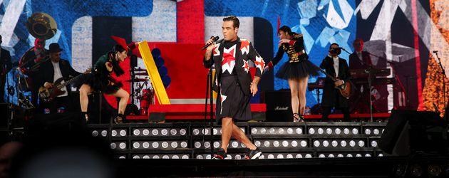 Robbie Williams auf einem Konzert in Manchester