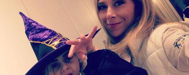 Tanja Szewczenko und Tochter Jona zu Halloween 2016