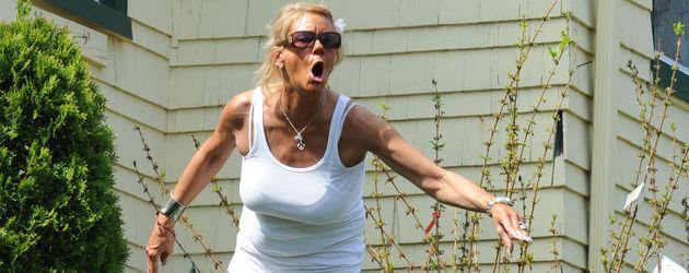 Tanning Mom Patricia Krentcil im Mai 2012 in ihrem Garten in New Jersey.
