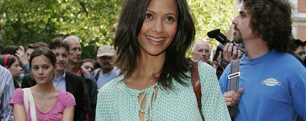 Thandie Newton mit ihrer Tochter Ripley im Jahr 2006