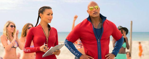 """Dwayne Johnson und Ilfenesh Hadera in """"Baywatch"""""""
