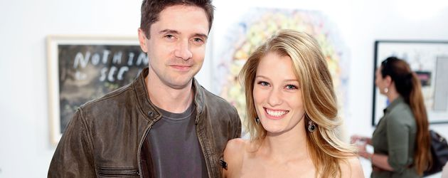 Topher Grace und Ashley Hinsaw beim Art of Elysium Event in Hollywood