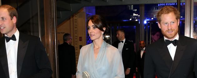 "Prinz William, Herzogin Kate und Prinz Harry bei der ""Spectre""-Premiere in London"
